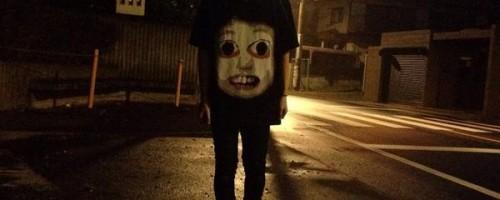 例のブラクラがTシャツに!夜道を歩く人にピッタリなデザイン